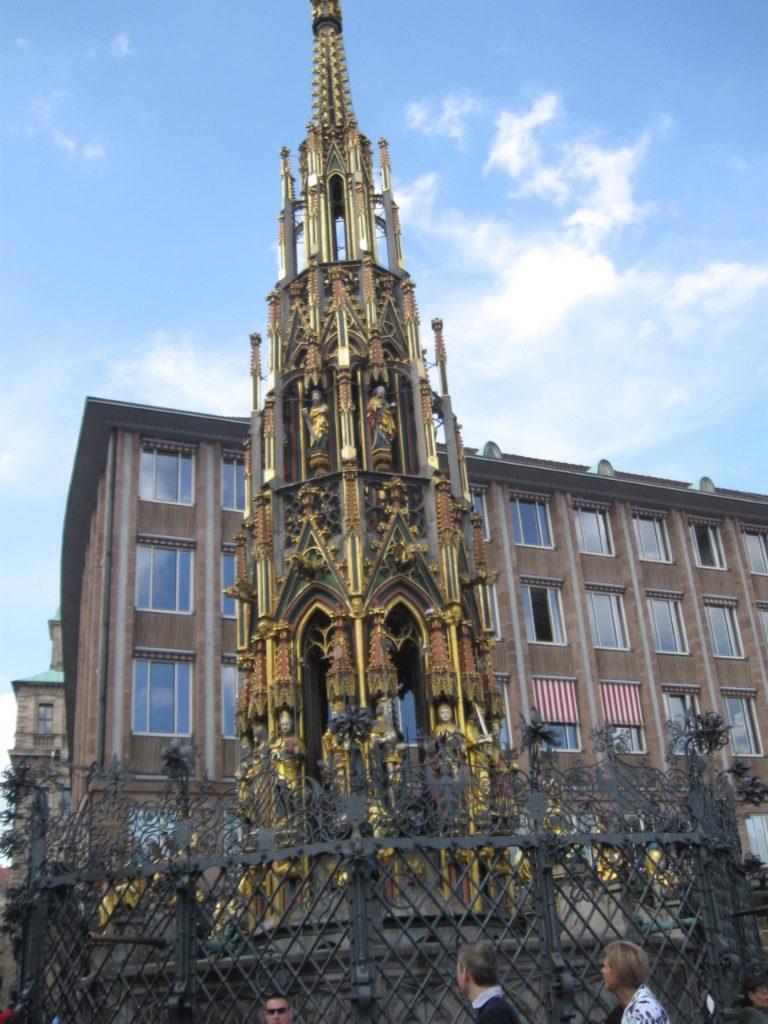 Nuremberg Shoner Brunnen