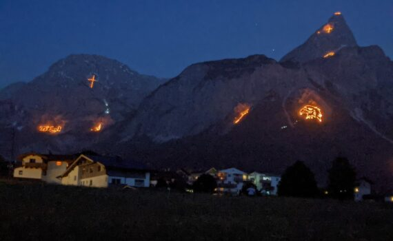Solstice Fires Tirol