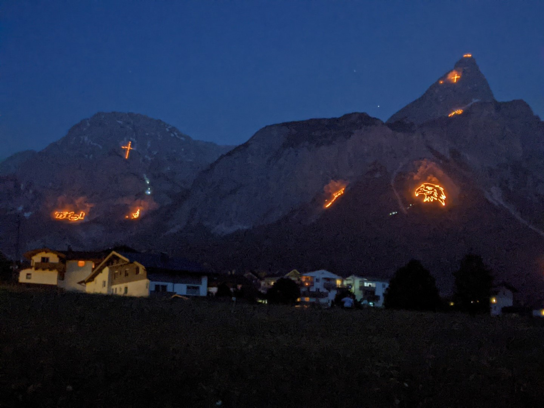 bergfeuer mountain fire austria